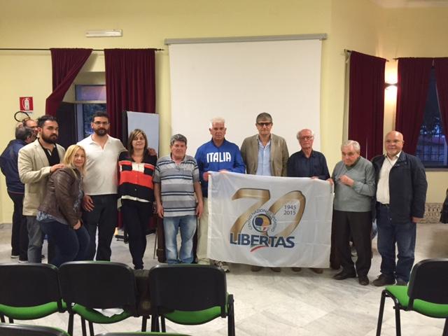 N. 5 I Quadri Del Centro Provinciale Libertas Di Roma Con  Il Presidente Eletto Carlo Dalia Al Centro Dietro La Bandiera Libertas