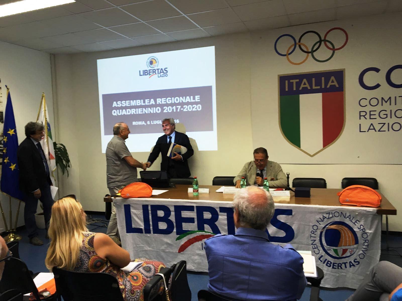 N. 1 Il Presidente Del Coni Riccardo Viola Saluta Antonio  Di Maggio Vice Presidente Dell'assemblea